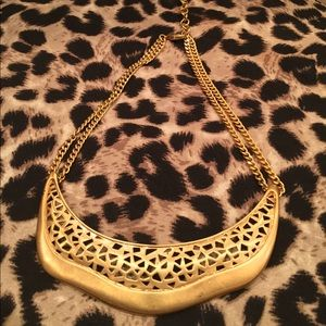 ♥️♥️♥️♥️Vince Camuto Collar Gold Tone Necklace-